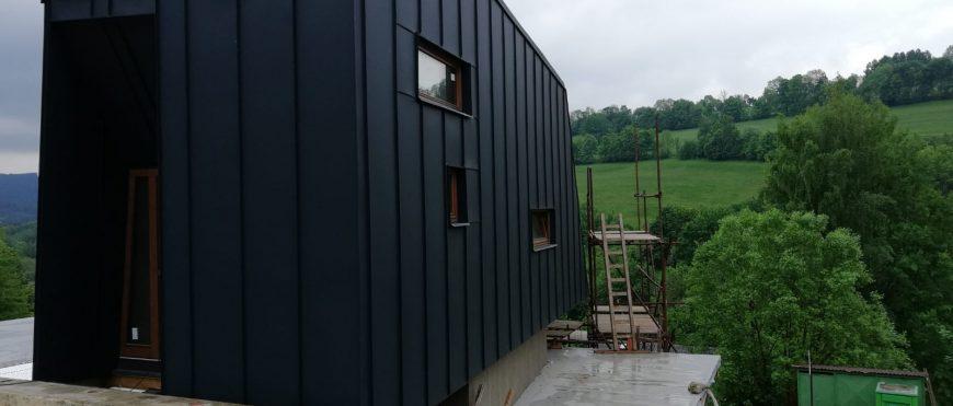 Dokonalé zateplenie atypickej drevostavby v Krkonošiach produktom Icynene – firma Icyizol