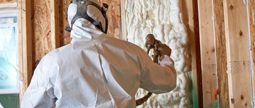 Піноізоляція – швидкий і довговічний спосіб утеплення вашого будинку